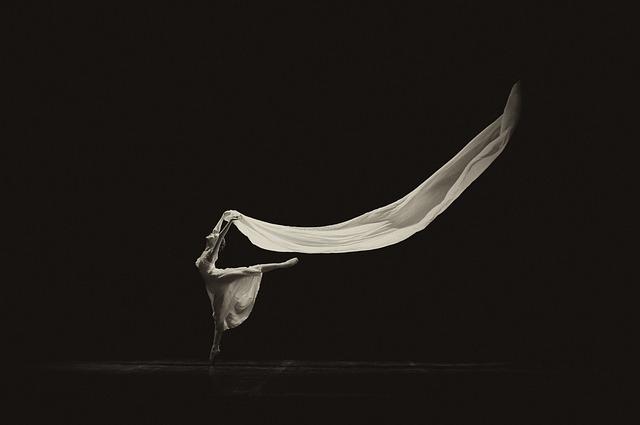 この画像には alt 属性が指定されておらず、ファイル名は ballet-3174227_640.jpg です